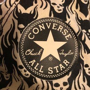 Converse Shoes - Converse high tops Men's sz 7, black & white skull